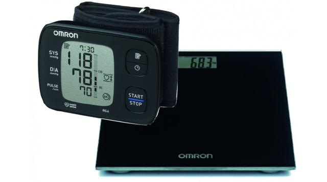 Omron Rs6 Csuklós Vérnyomásmérő + Omron Hn-289..